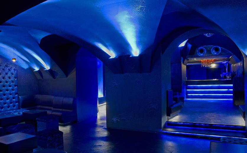 http://www.spacestudio.it/newspace/files/gimgs/44_blue-velvet-6.jpg